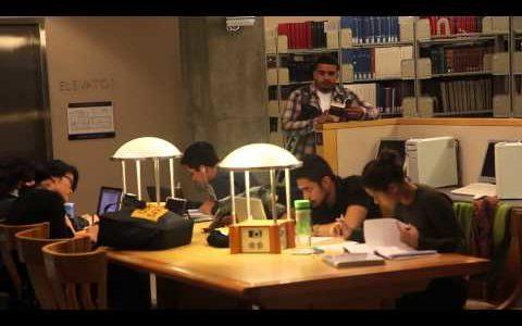 「シィーッ!」図書館で静かにしている人に注意をしたら人間の共通心理が垣間見えた