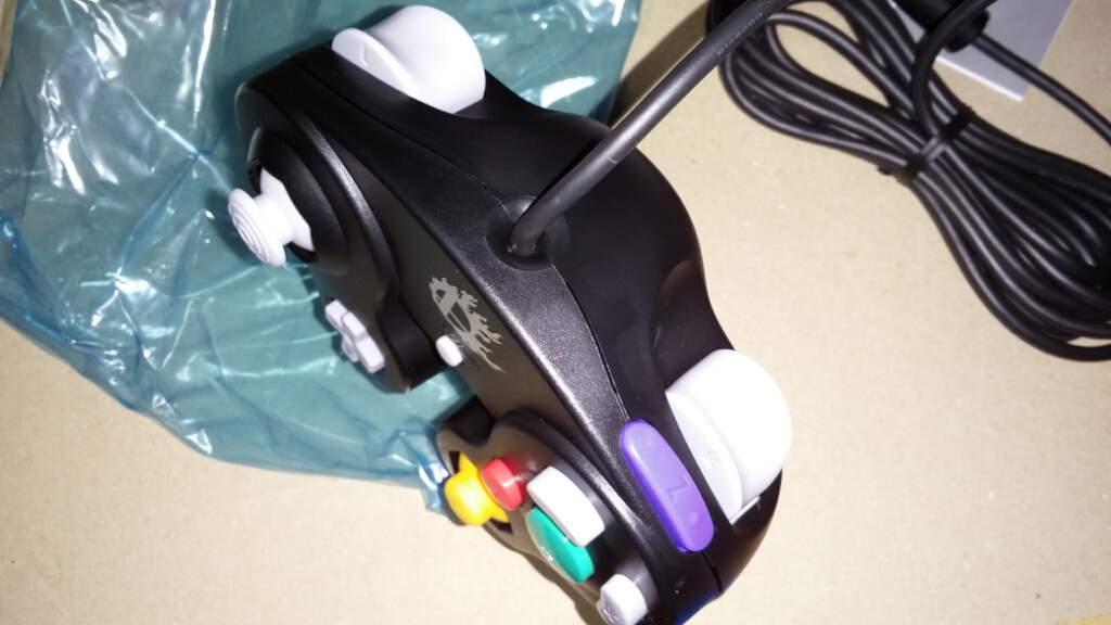 controller-wii-u-nintendo-gc-gamecube-smashbros-5