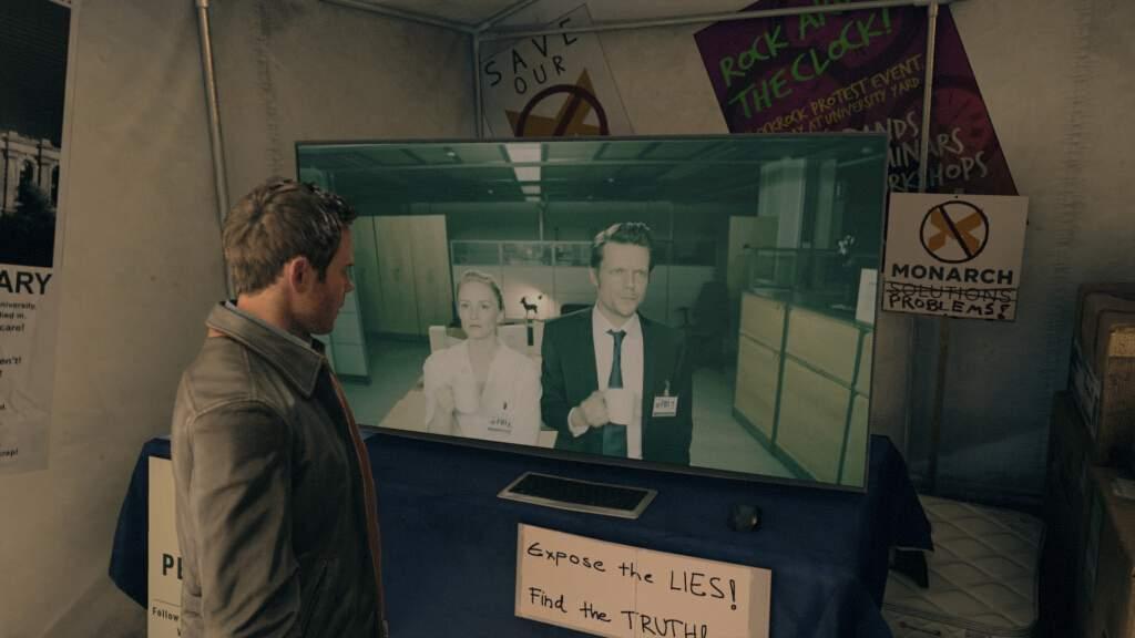 ゲーム内で実写ムービーを観ている図。新鮮な気分になったが、日本語字幕が出てこなかった